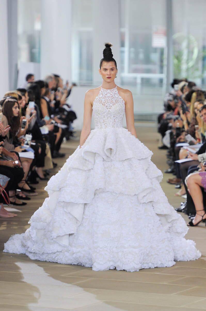 Modele de rochie de mireasa - Rochia cascada - Wedding Consulting by Marian Ionescu